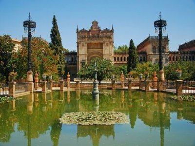 Guided visit on a bike in Sevilla