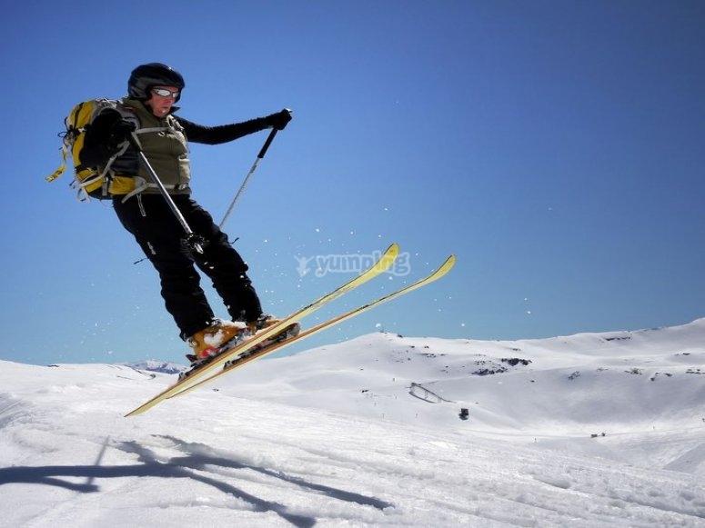 dsifrutando de las clases de esqui en huesca