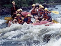 Descendiendo en un rafting