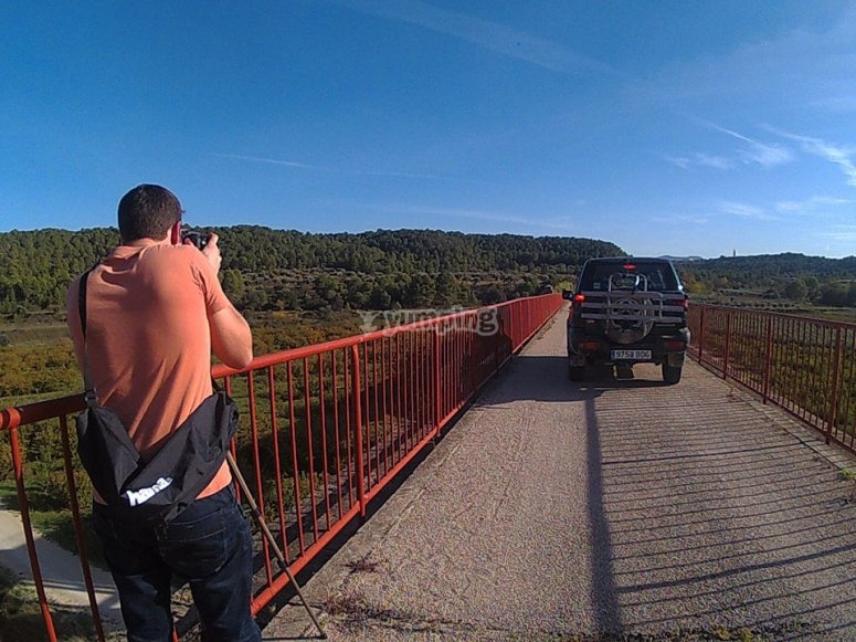 coche por puente