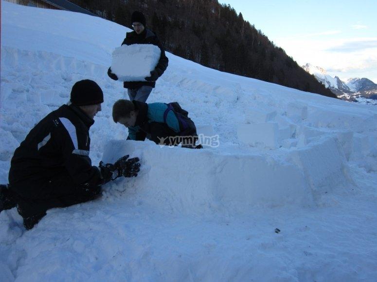 Costruendo igú come famiglia nel Principato di Andorra