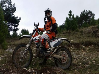 Rent endurance motorbike Burgos full day