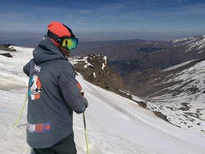 内华达山脉的滑雪课程2小时