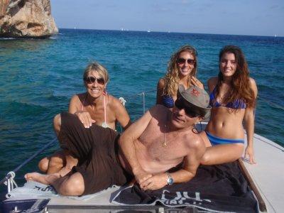 Día en barco en Mallorca y snorkel y aperitivos 8h