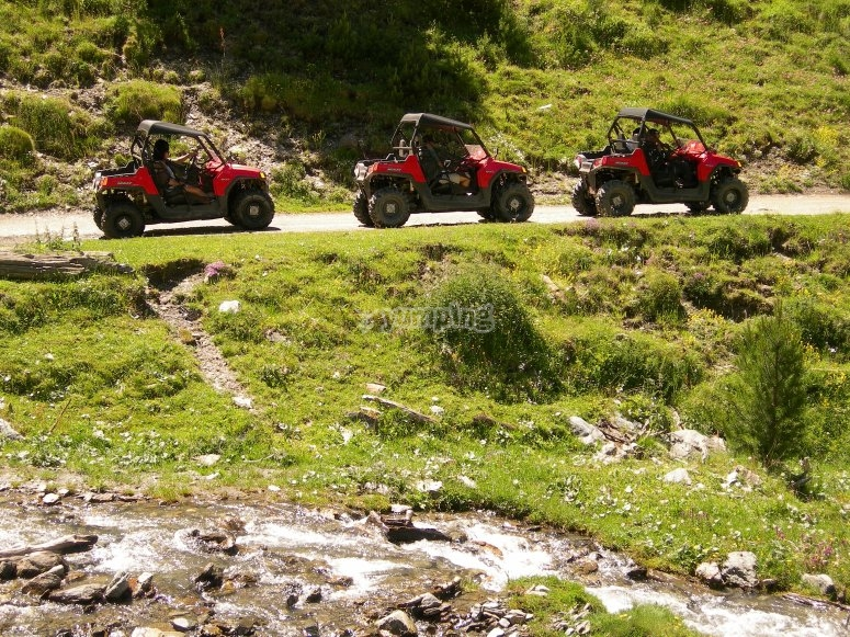 expedition of 3 buggies
