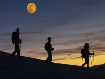 Raquetas de Nieve con Luna Llena en PN Guadarrama