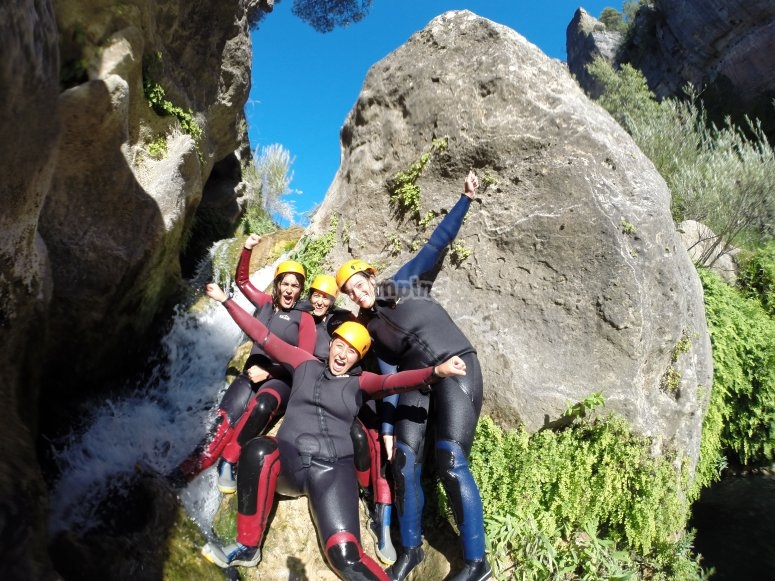 Posando en la cascada