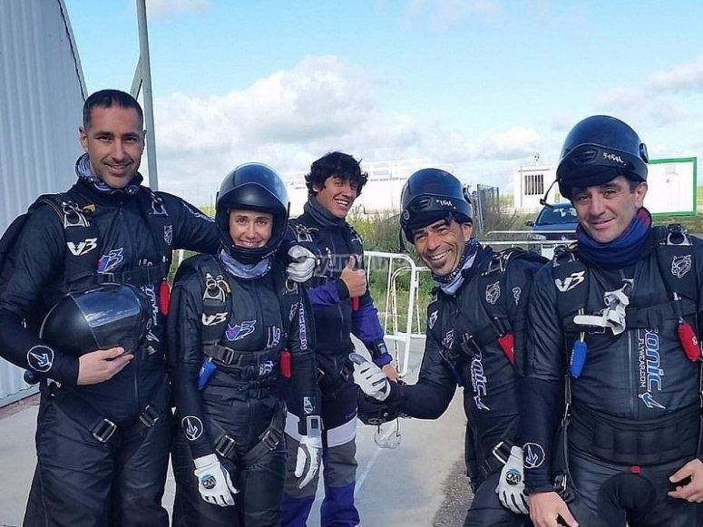 Antes de la sesion de paracaidismo en Ocana