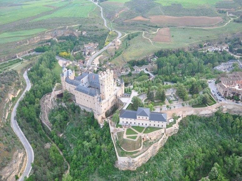城堡在塞戈维亚塞戈维亚塞戈维亚大教堂