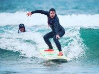 Surfer en playa de las Americas