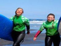 Pionieri nei campi da surf per ragazze
