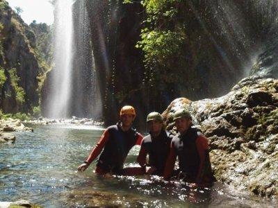 Descenso de barranco del Buitre en Castril 2 horas