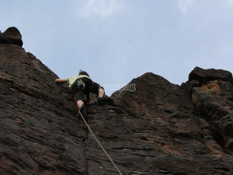 攀岩登山过程