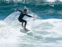 Practica giros sobre la tabla de surf