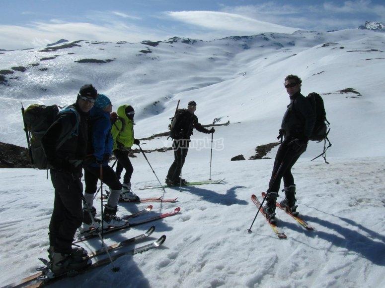 disfrutando del esqui de fondo en sierra nevada