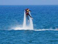 Jetpack sulla costa di Girona
