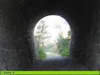 atraviesa por el tunel