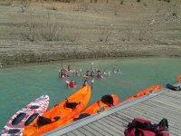 码头上的皮划艇