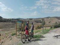 伴随向导的自行车路线