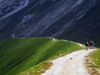 Ruta caballo Picos de Europa con BTT y barranco