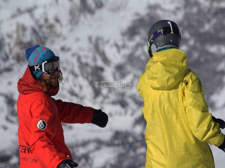 En la clase de snowboard