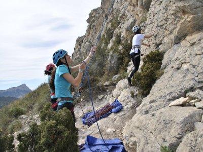 Curso dos días de escalada deportiva en Alicante