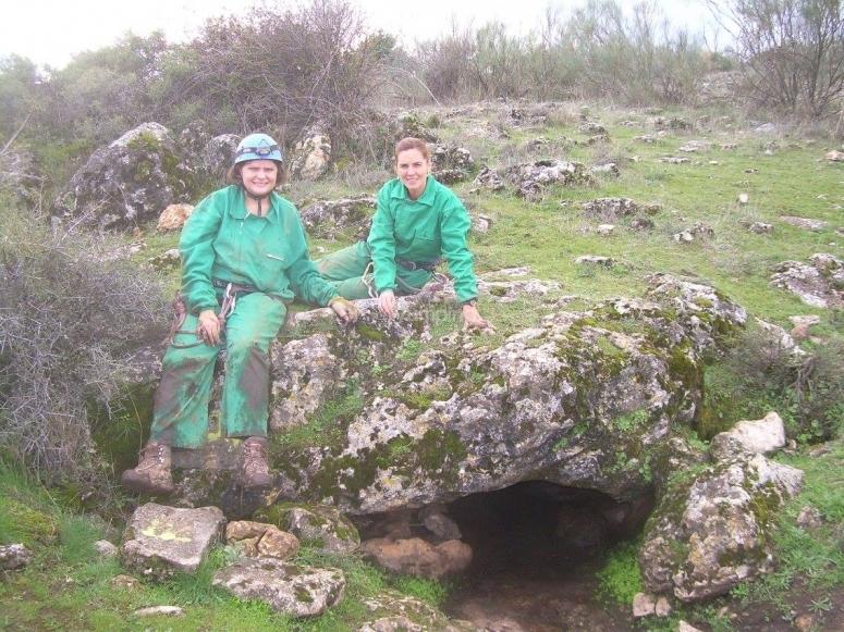 entrada en la cueva