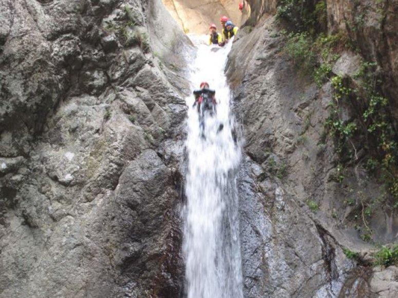 """Descenso del barranco de Llech en Pirineo Frances"""