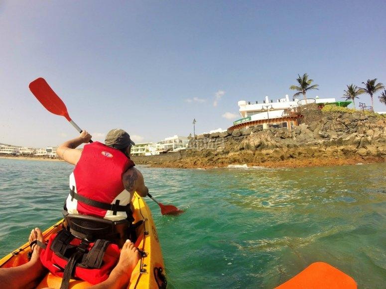 navegando por la costa