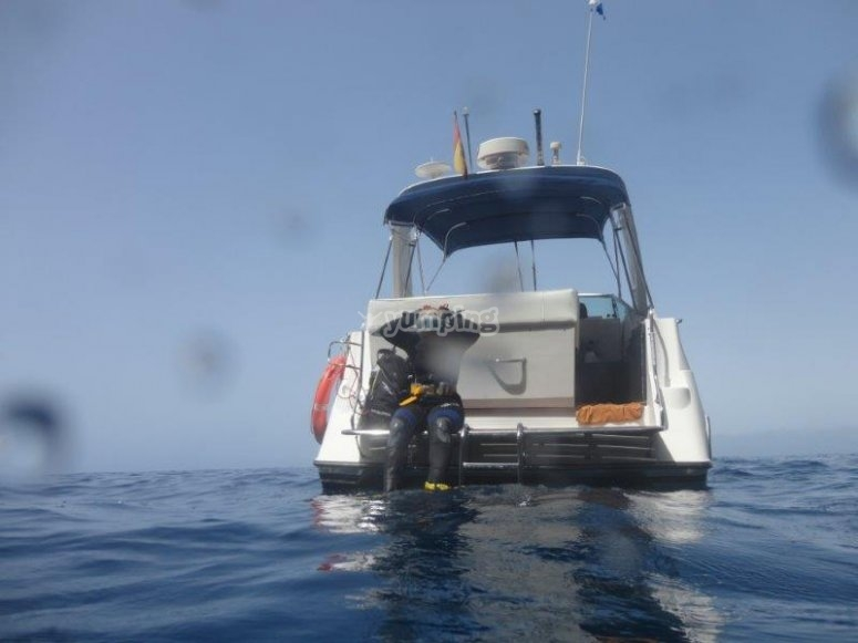 Boat dive!