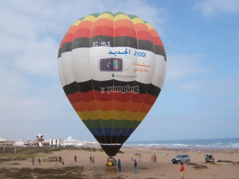 Tethered balloon
