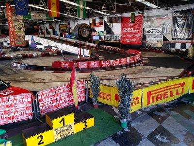 Pilotar un kart en Granada 16 minutos