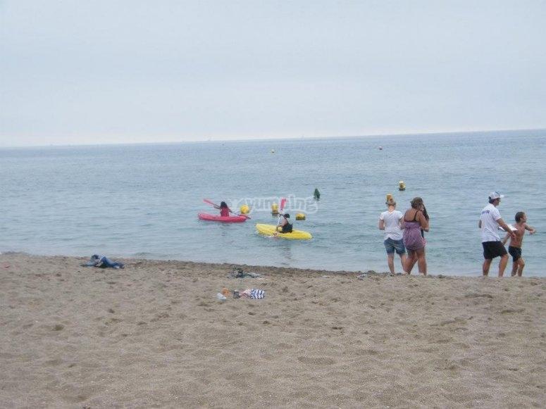 Carrera de kayaks en Marbella