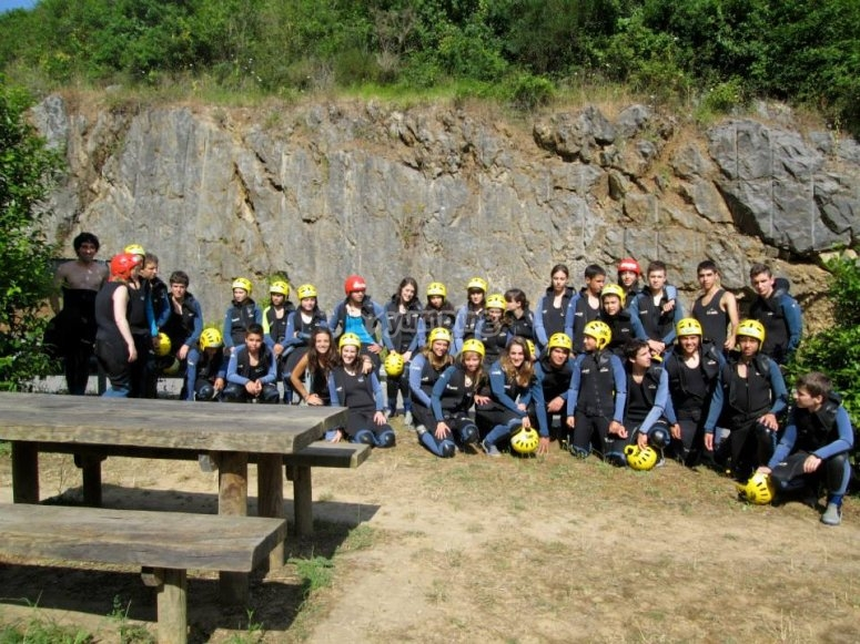 Young people prepared for the ravine