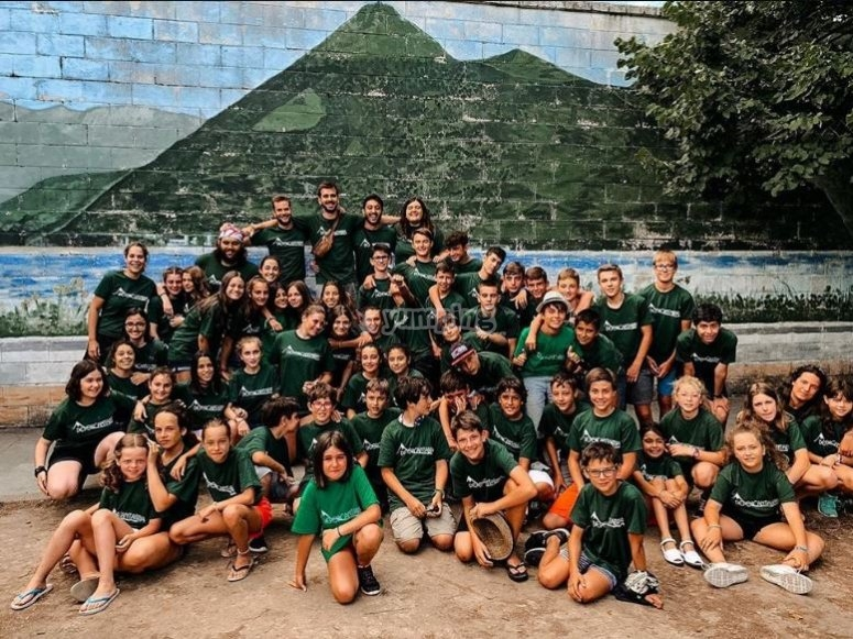 Group picture of the English camp