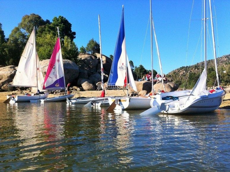 营地的帆船