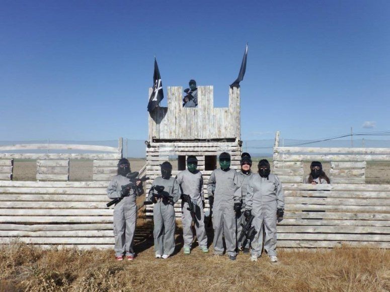 Difendere la base in Segovia paintball