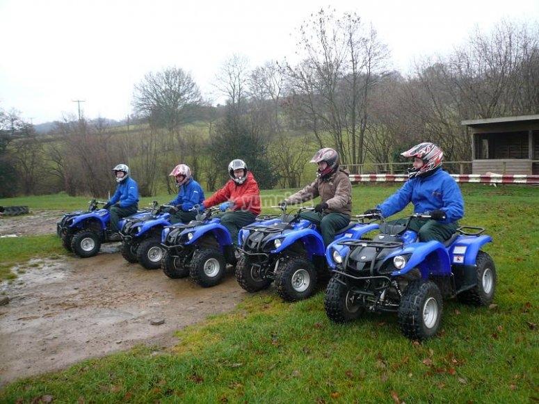 Todos los quads listos para la ruta