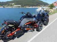 Rykers aparcados en la costa