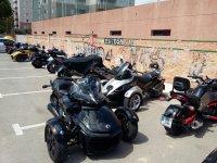 Rykers aparcados para comenzar la ruta