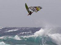 Salto de windsurfing