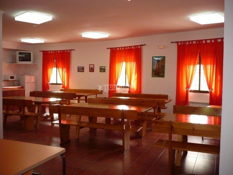 La sala da pranzo dell'ostello