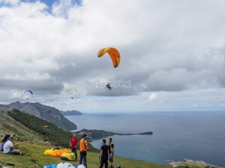 Tandem paragliding in Islares