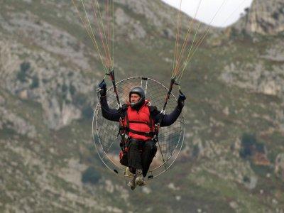 Vuelo biplaza paramotor 20 min Cantabria