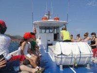 Atentos en el barco