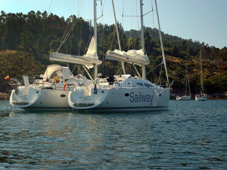 Barcos navegando juntos
