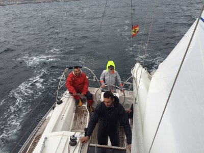 Sailing course for beginners in Vigo, 4 hours