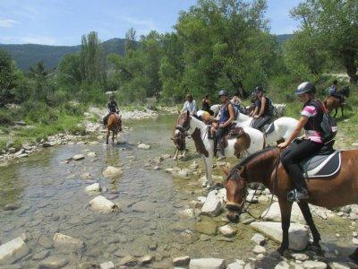 Pasear a caballo por Jaca 1 hora