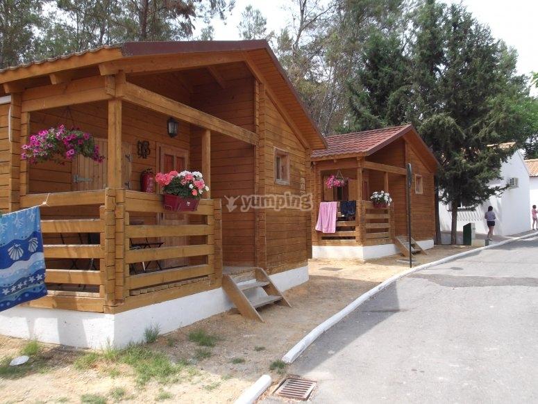 bungalows de madera en benameji para despedidas