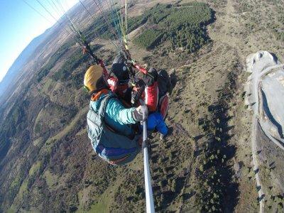 Alarilla,飞行和礼品视频中的滑翔伞
